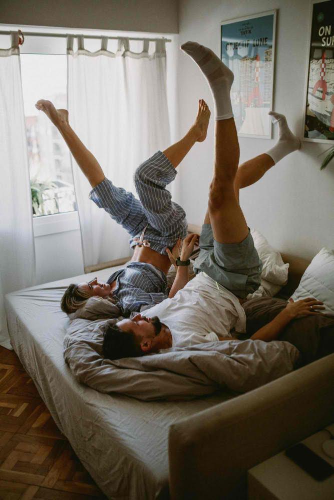 Fotografía pareja en casa