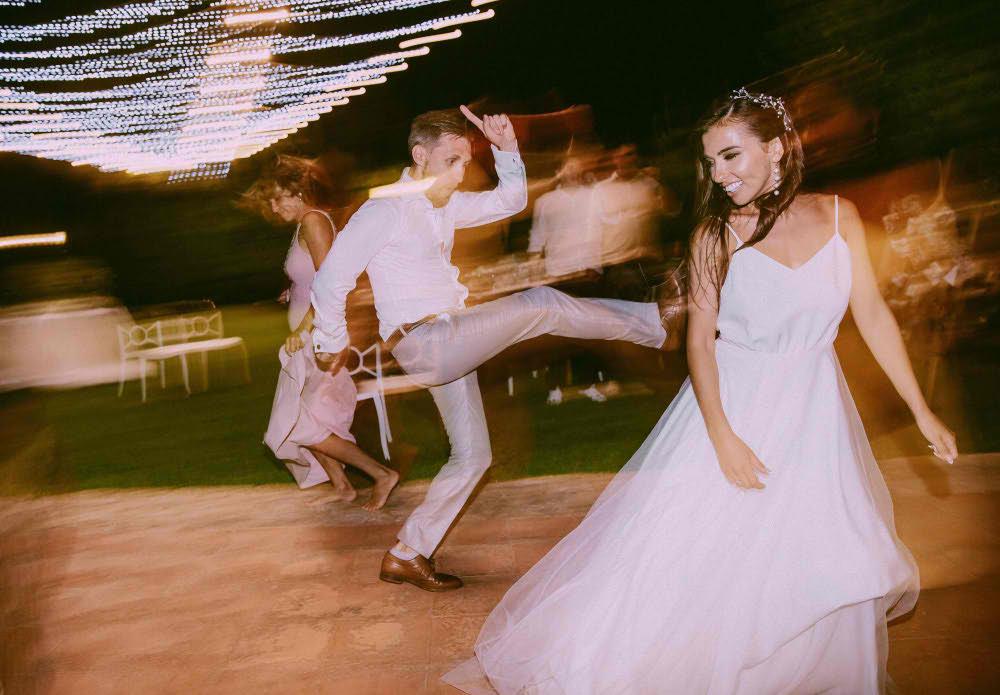 Fotografía profesional de boda divertida