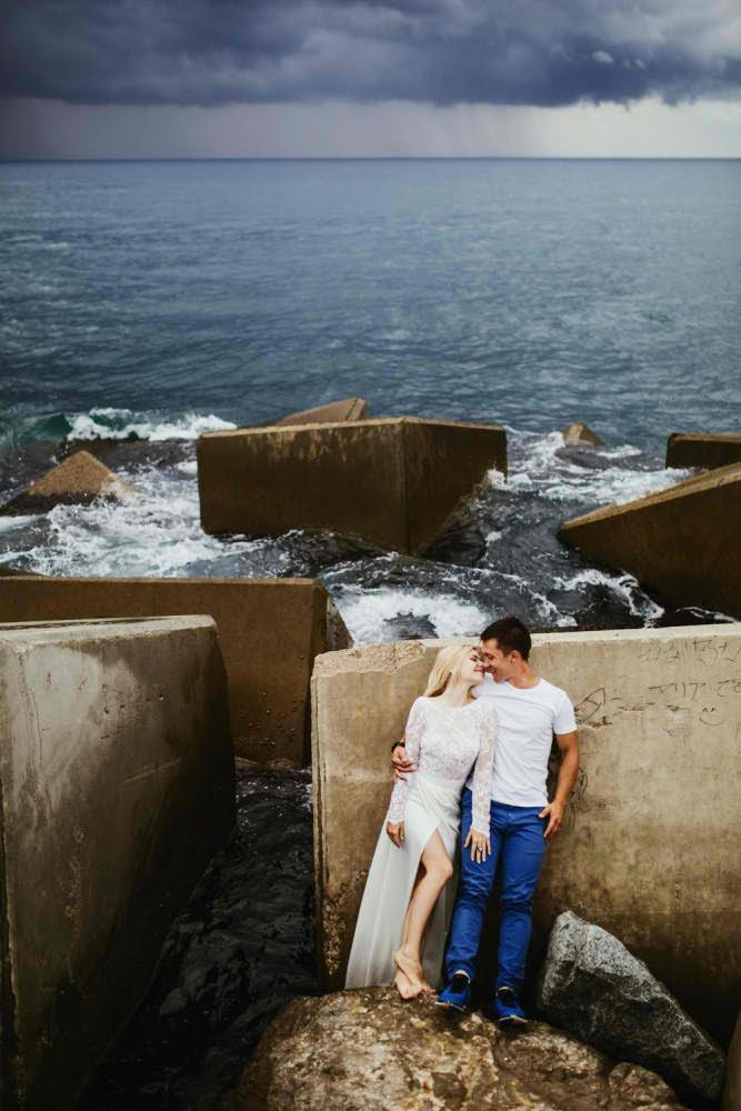 love story en barcelona fotografo playa