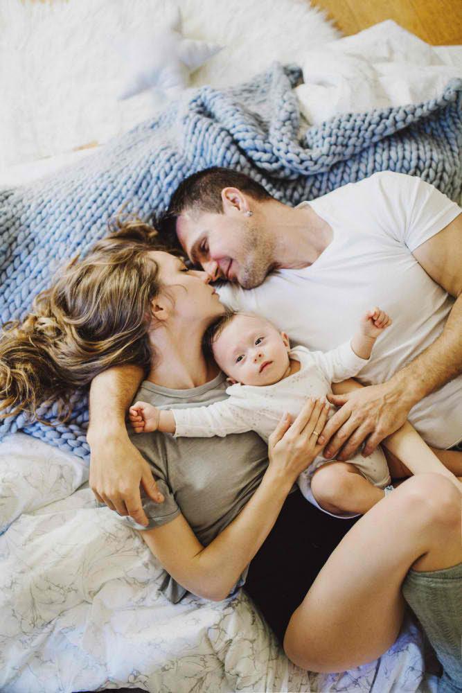 Профессиональная Семейная Фотография в Постели